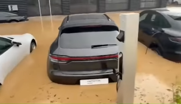 Brand-New-Porsches-Under-Water-In-German-Dealership-After-Disastrous-Rains-0-42-screenshot