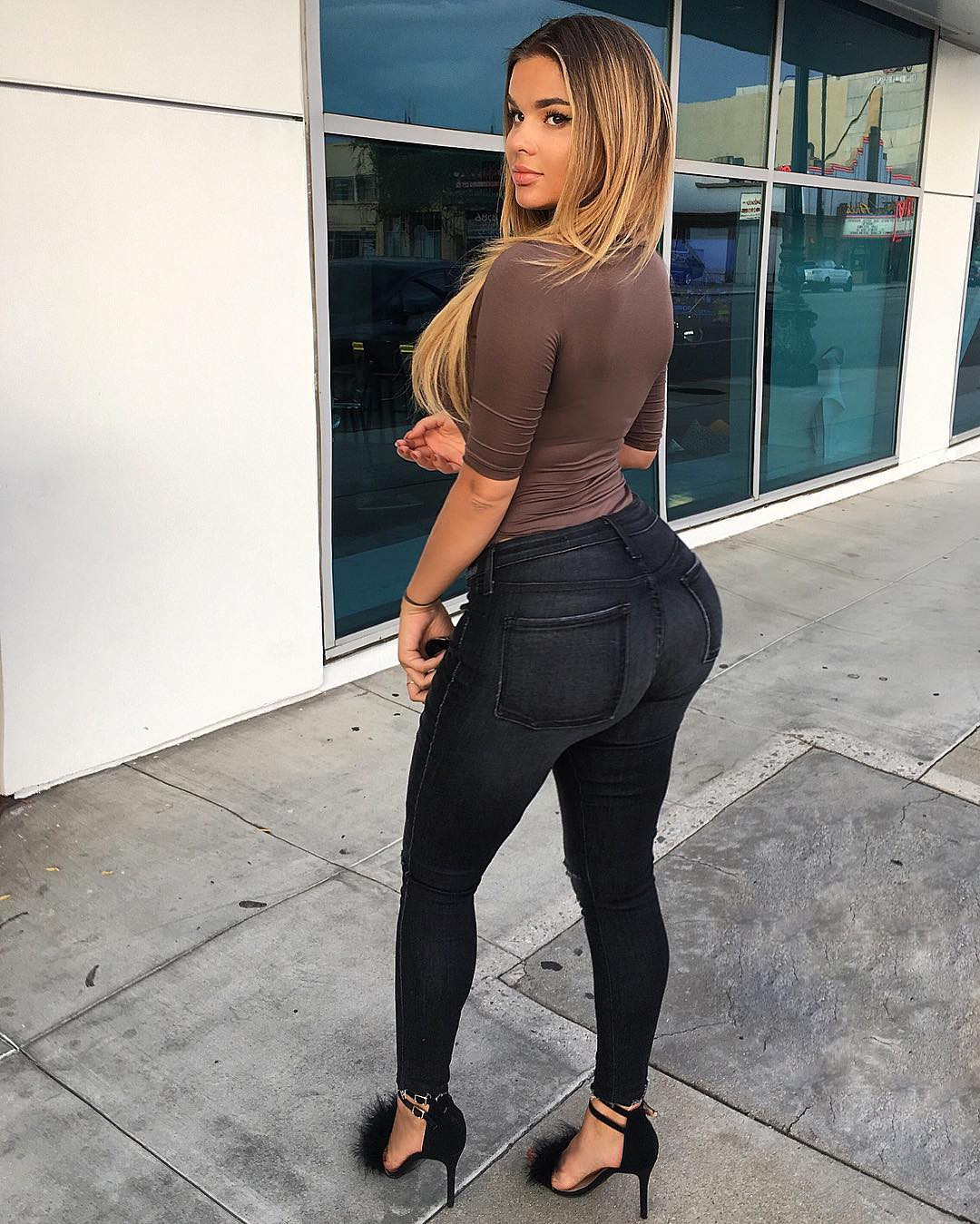 Anastasiya-Kvitko-Wallpapers-Insta-Fit-Bio-15