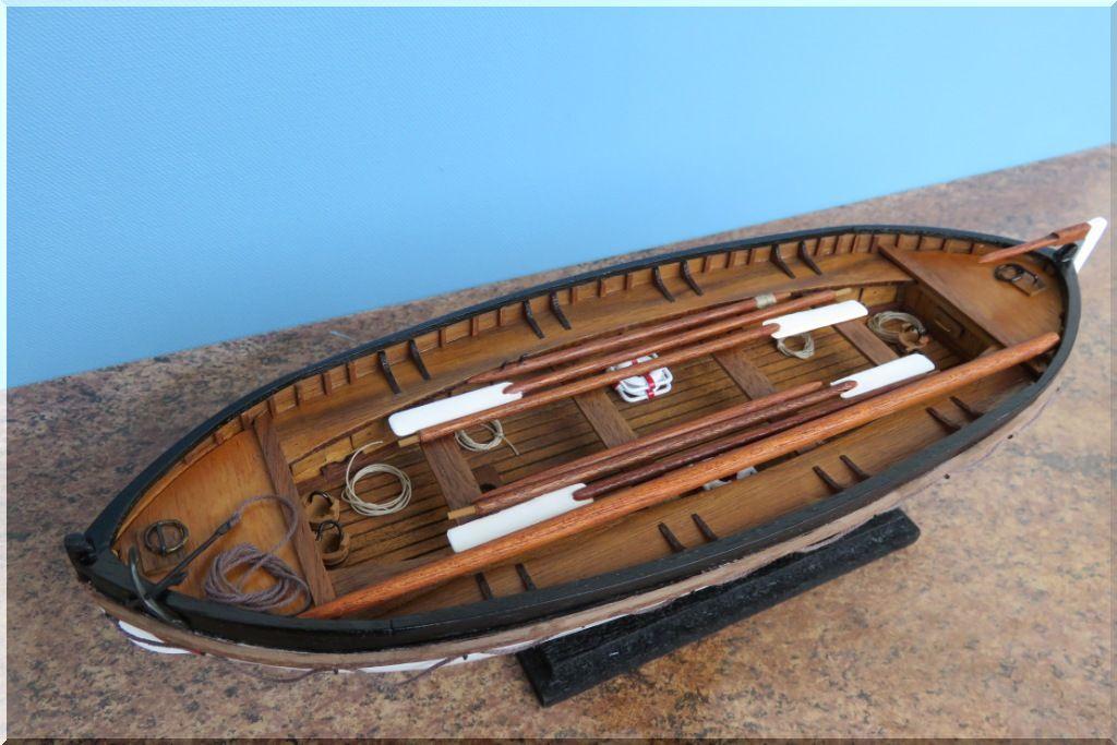 Canot de sauvetage du TITANIC Maquette Artesania Latina au 1/35eme  Canot-Titanic-11