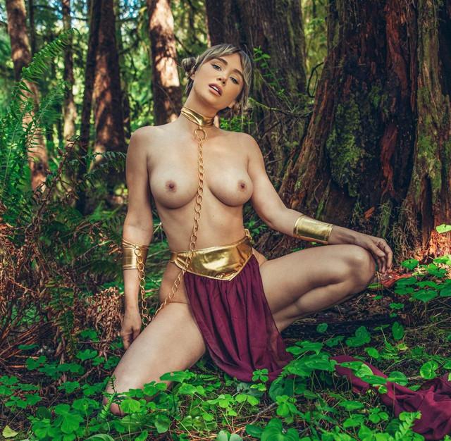 Sara-Underwood-Princess-Leia-6