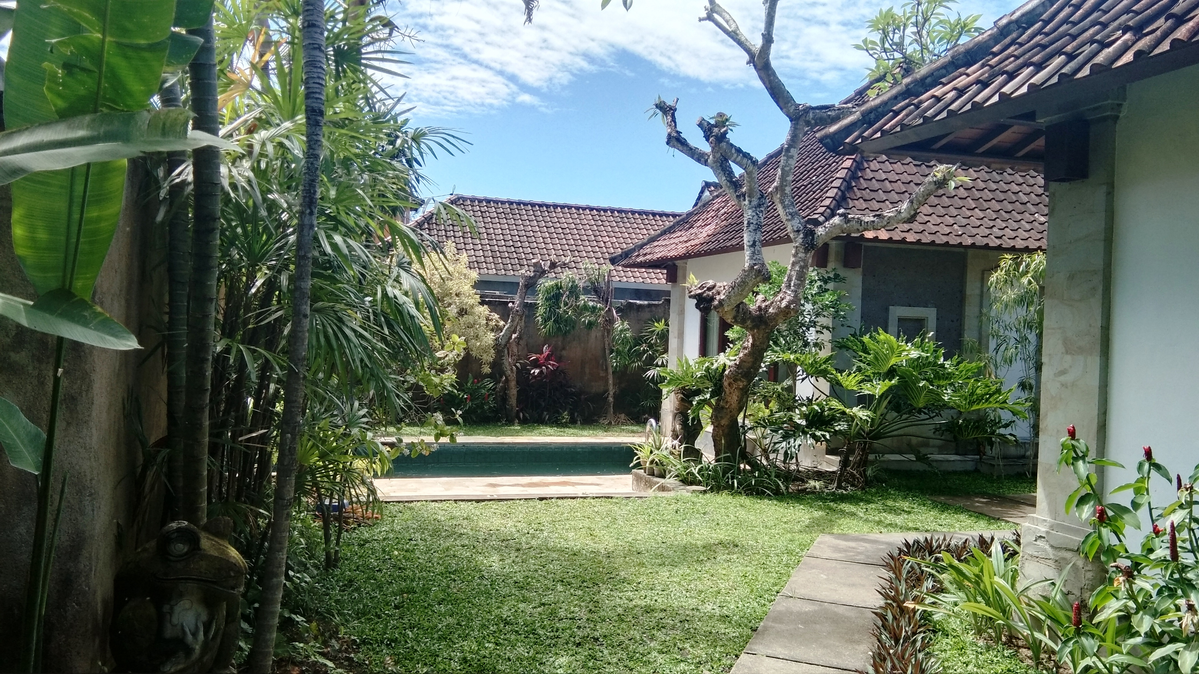 3 BEDROOMS VILLA WITH CLOSE LIVING ROOM IN SANUR - BALI
