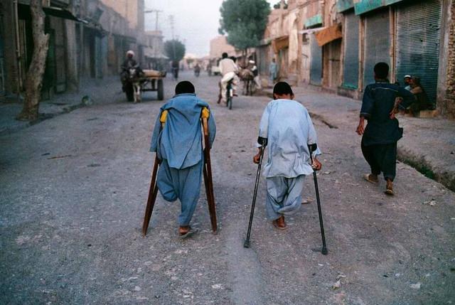 06-afghanistan-2000