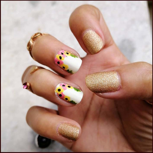 Lots-of-glitters-and-lots-of-flowers-i-really-like-this-one-nails-nailsgram-nailartaddict-nailartspb