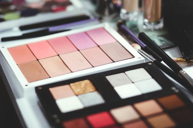 https://i.ibb.co/KsYBRDz/1-Private-label-skincare-beauty-products.jpg