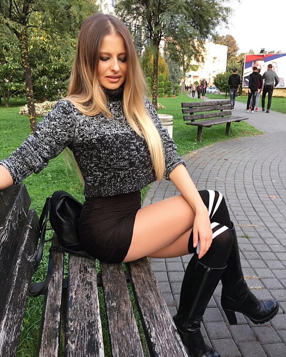 Bojana-Savic-Wallpapers-Insta-Fit-Bio-2