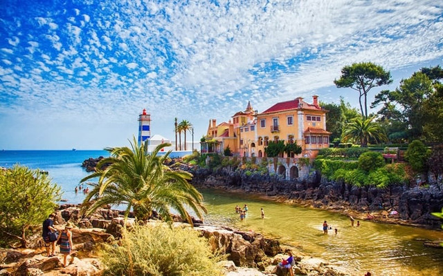 Buying property in Cascais