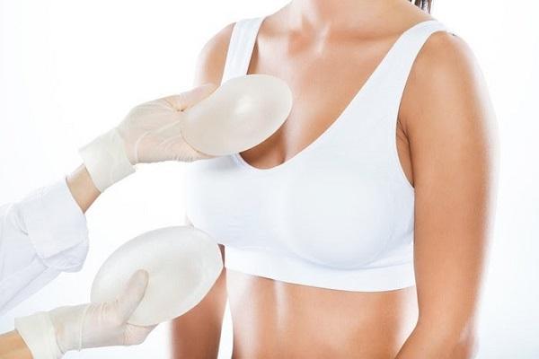 Giải đáp: Có nên nâng ngực hay không? 36