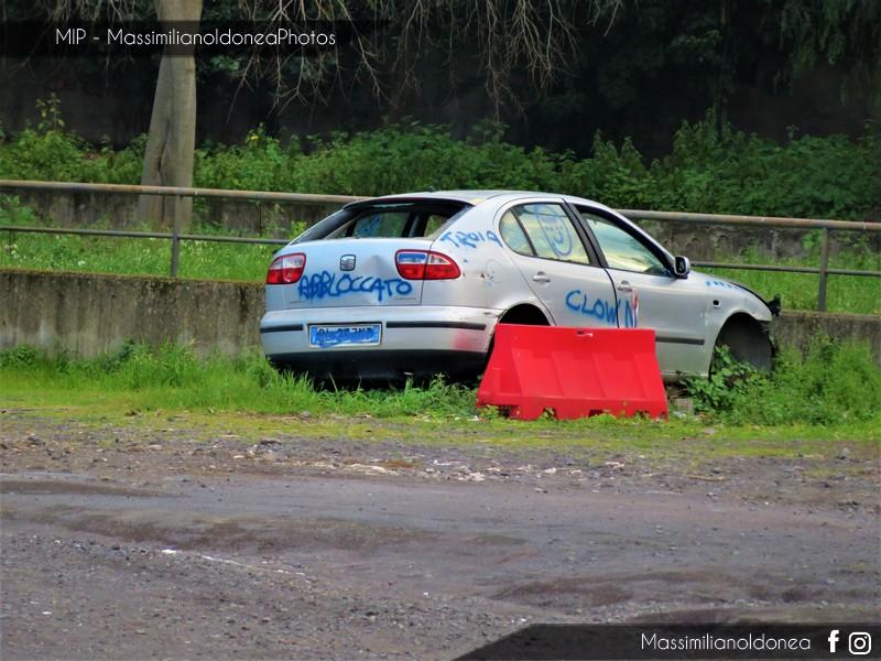 Auto Abbandonate - Pagina 11 Seat-Leon-1-6-101cv-00-BL257-MT-1