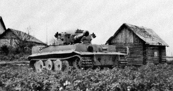 """Tiger"" by Lieutenant Otto Carius. Summer 1943."