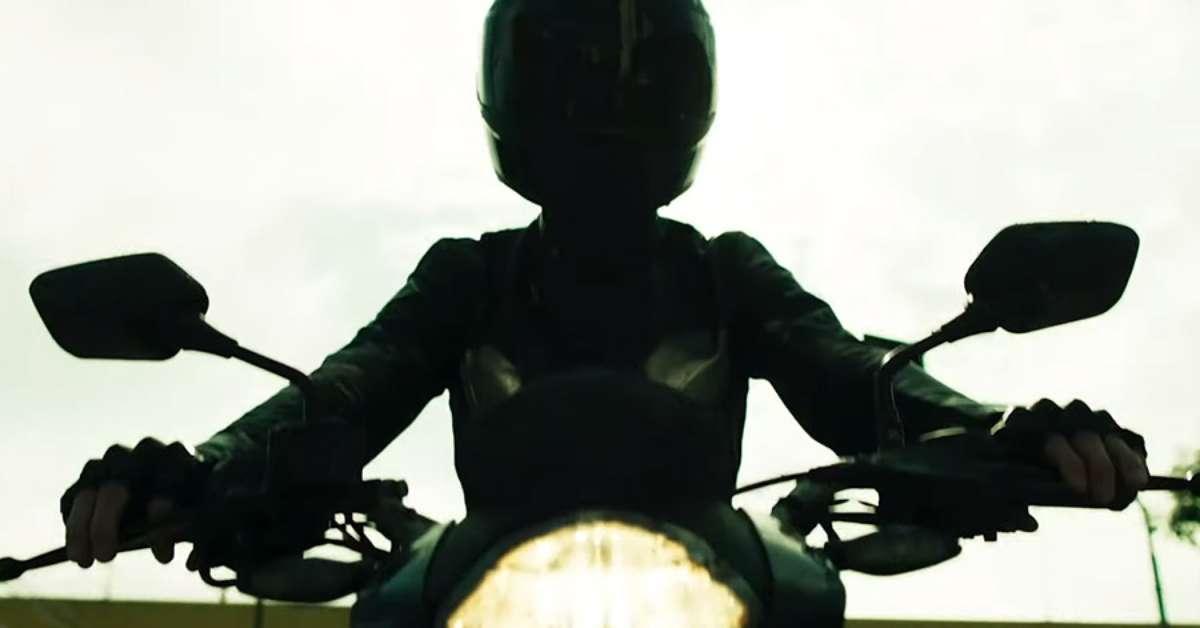 547961518-garota-da-moto-filme1