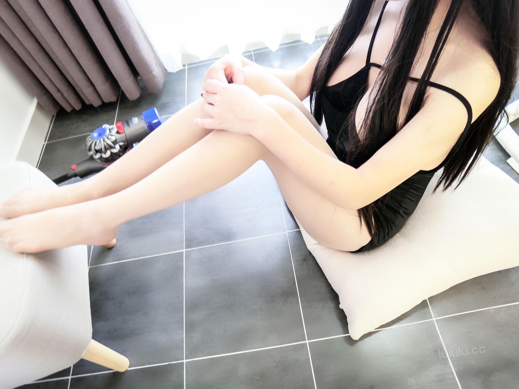 [cosplay] MaSusu - Sexy black skirt cleaning 020