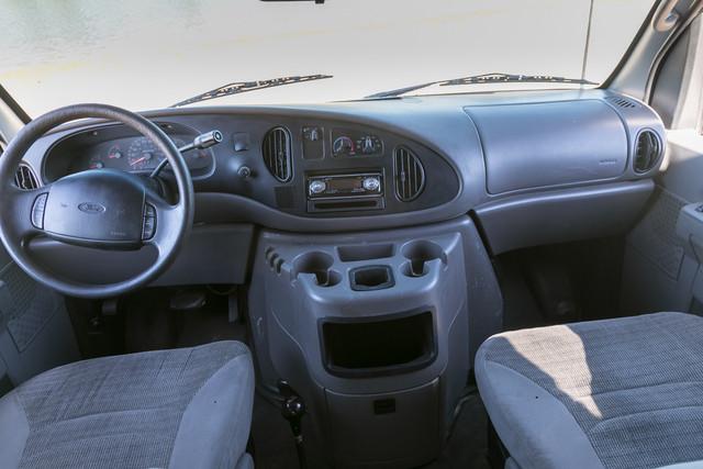 2002-Ford-E350-20