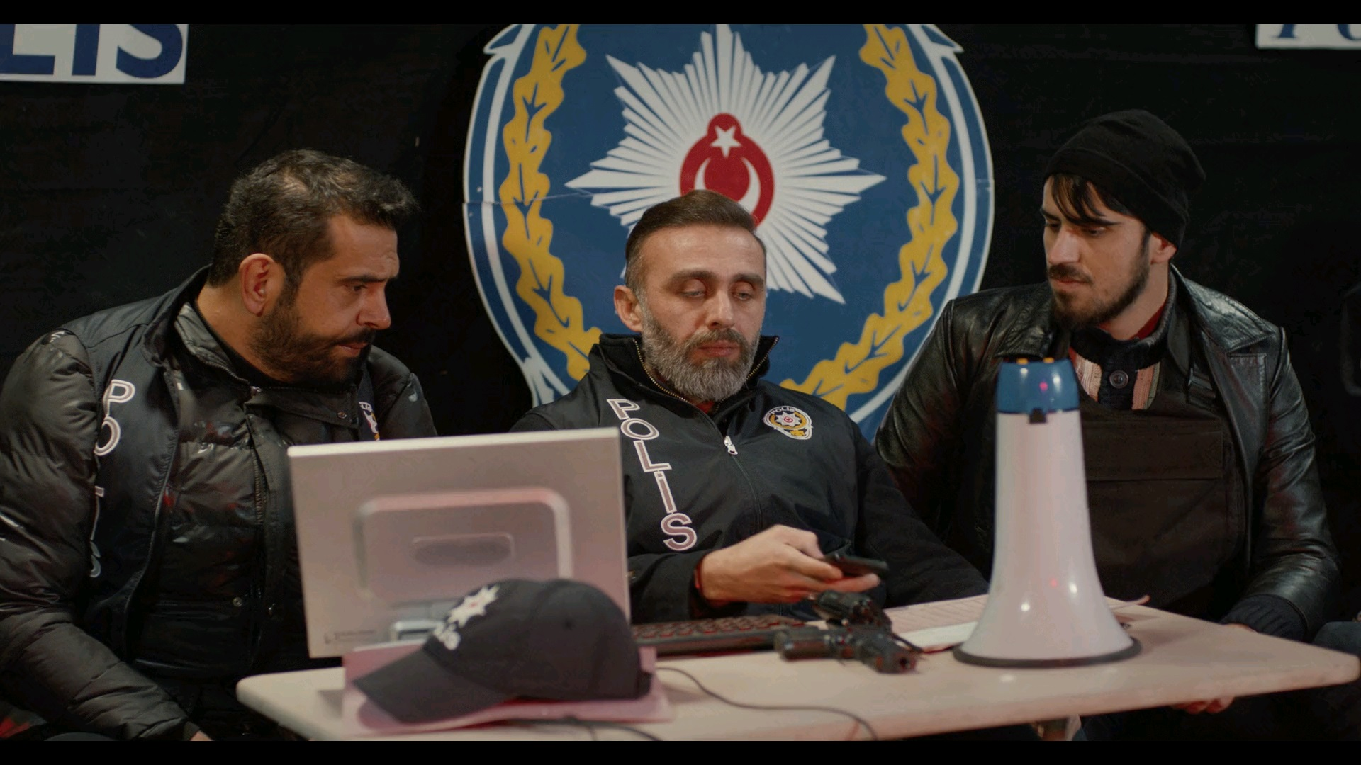 Mazlum Kuzey & Kuddusi 2: La! Kasada Para Var! | 2019 | Yerli Film | NF | WEB-DL | XviD | Sansürsüz | 720p - 1080p - m720p - m1080p | WEB-DL | Tek Link