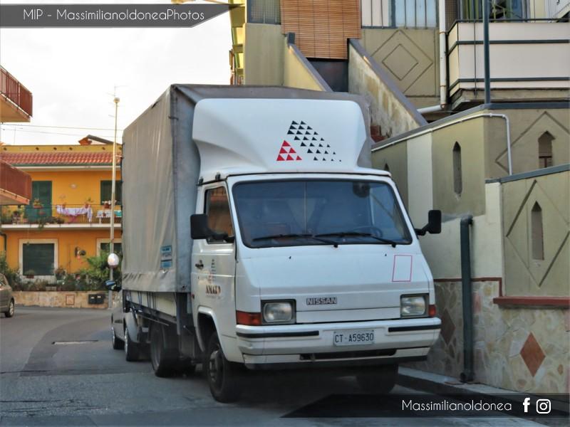 Veicoli commerciali e mezzi pesanti d'epoca o rari circolanti - Pagina 7 Nissan-Trade-Diesel-2-8-79cv-93-CTA59630-178-567-10-5-2017