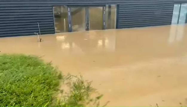 Brand-New-Porsches-Under-Water-In-German-Dealership-After-Disastrous-Rains-0-0-screenshot