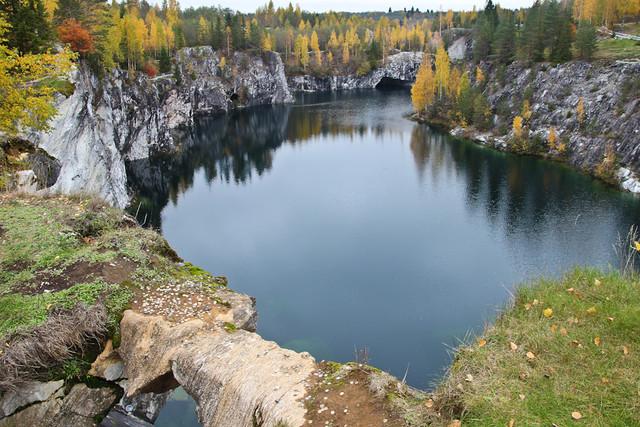 Ruskeala-Marble-Quarry-October-2011-12.jpg