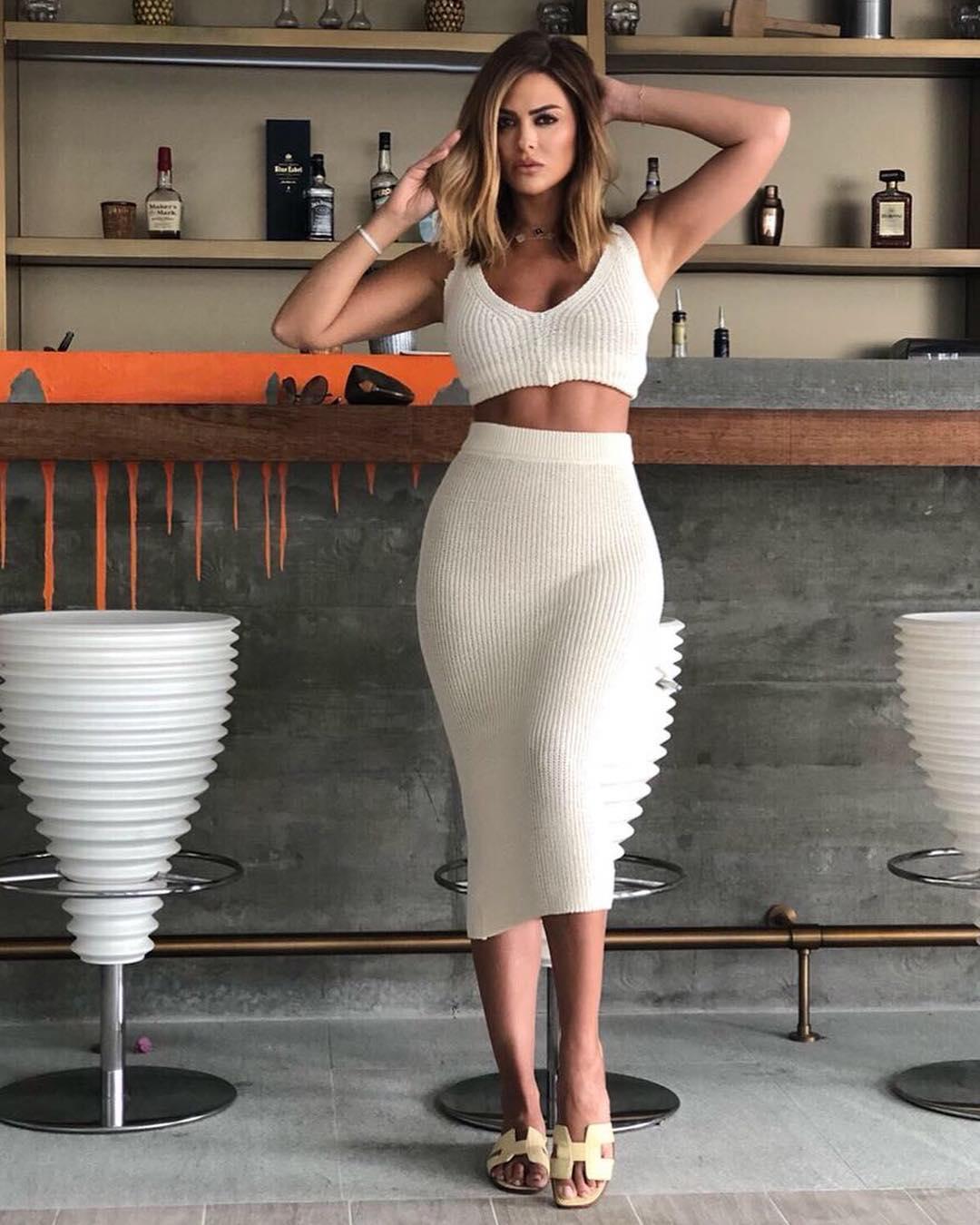 Carla-Di-Bello-Wallpapers-Insta-Fit-Bio-7