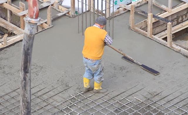 Overlay Beton Self-Leveling