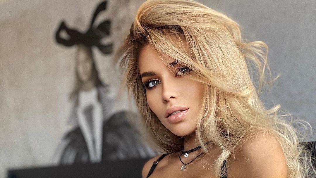 Anastasiya-Timonina-Wallpapers-Insta-Fit-Bio-14