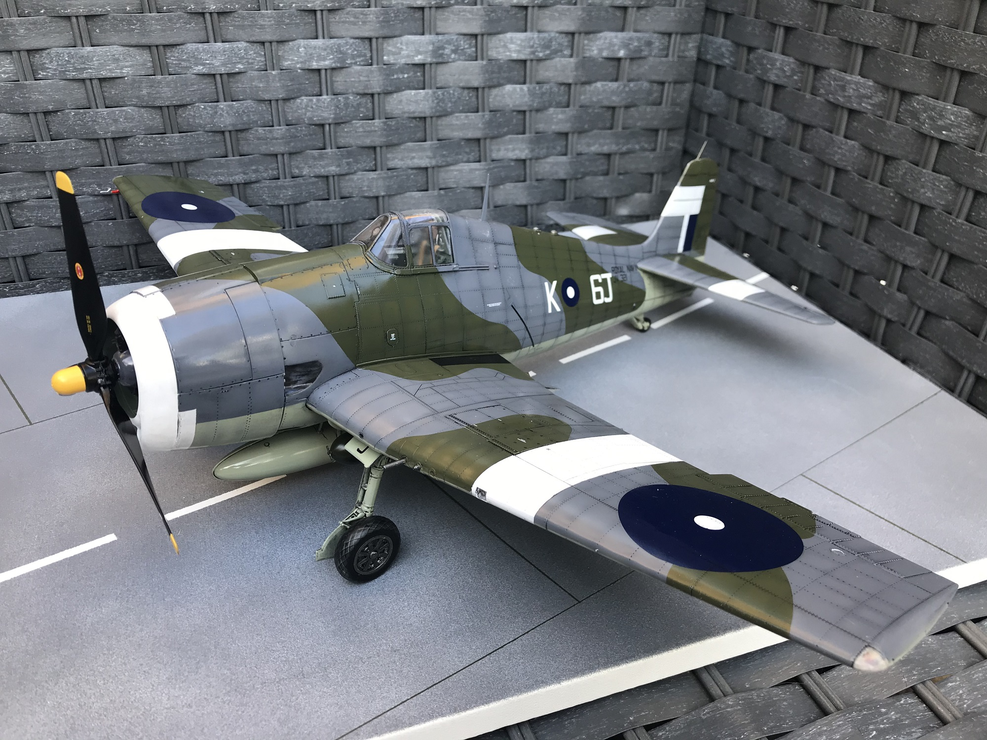 Airfix 1//24 Grumman F6F-5 Hellcat résine factice du réservoir de carburant se termine.