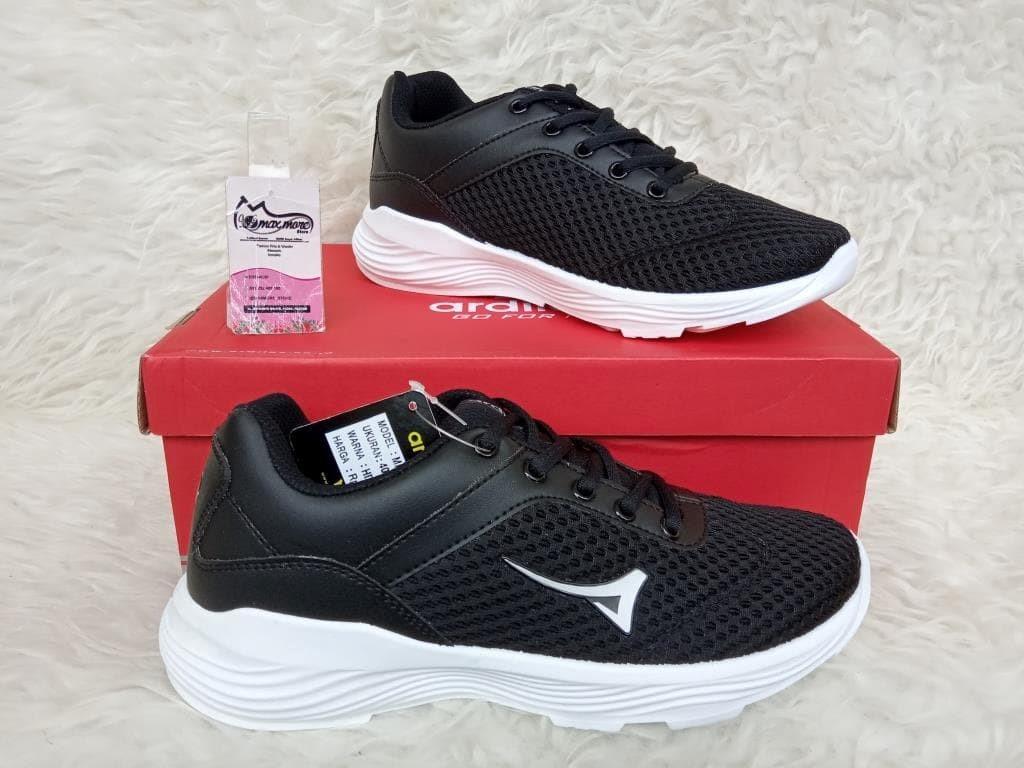 sneakers pria