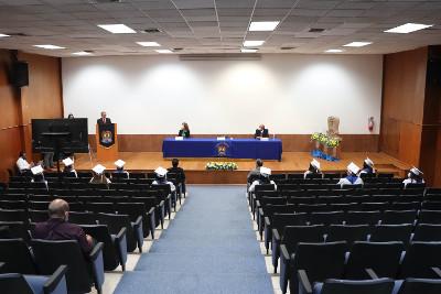 graduacio-n-Fac-Odontologi-a-UAde-C-Torreo-n-2020-5