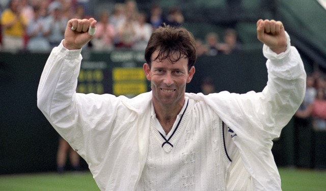 Jeremy-Bates-celebrates-after-beating-No-7-seed-Michael-Chang-6-4-6-3-6-3-in-his-1st-round-match-at