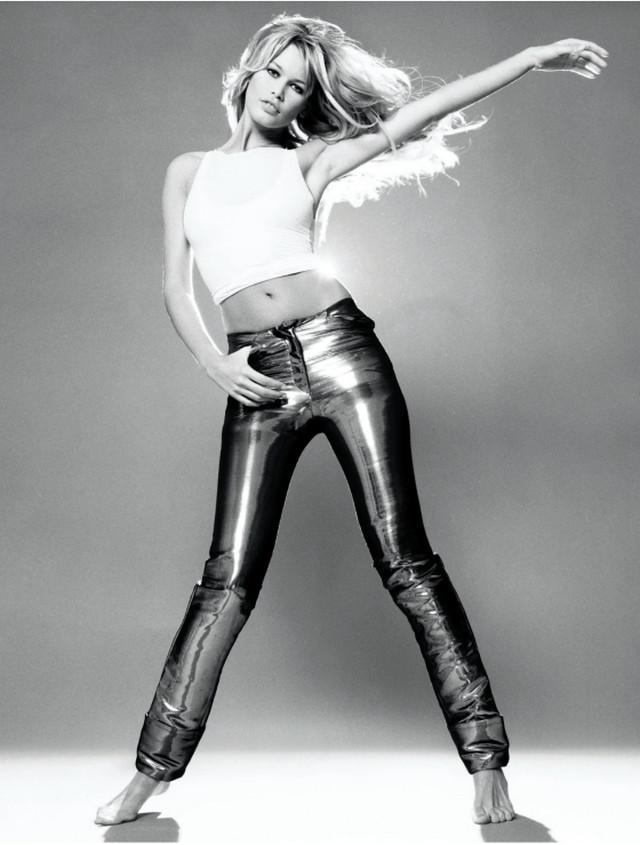 Новая книга Клаудии Шиффер Claudia Schiffer  с фотографиями юности 1