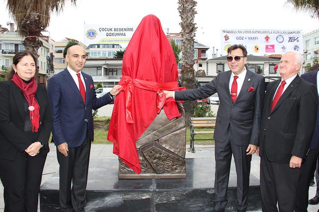 bak-bld-ataturk-heykel-8