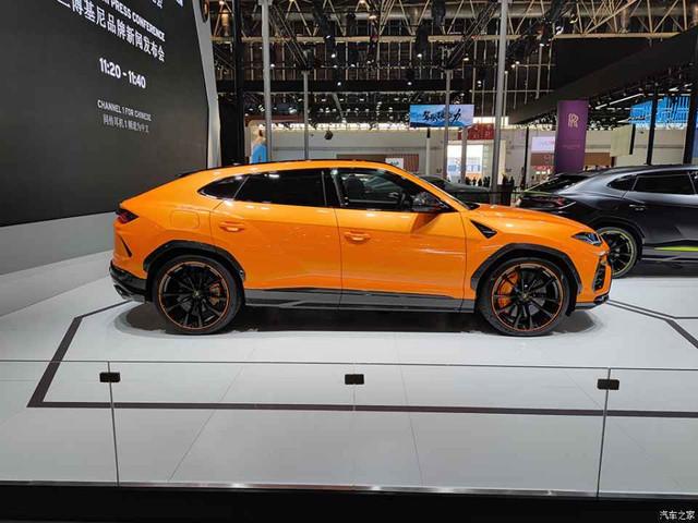 2018 - [Lamborghini] SUV Urus [LB 736] - Page 11 74428-E2-C-7333-49-BD-9-B22-0-BDE05178208