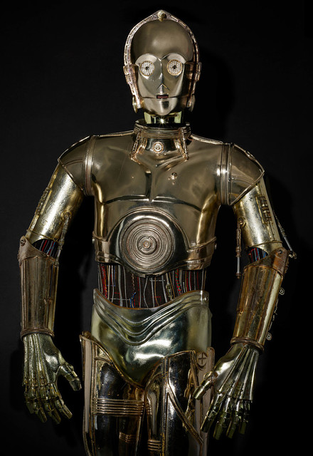 Droid-costume-from-the-movie-Star-Wars-Episode-VI-Return-of-the-Jedi-C-3-PO-1984-0302-02.jpg