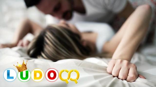 Survei 3 Posisi Seks yang Paling Disukai Oleh Laki Laki