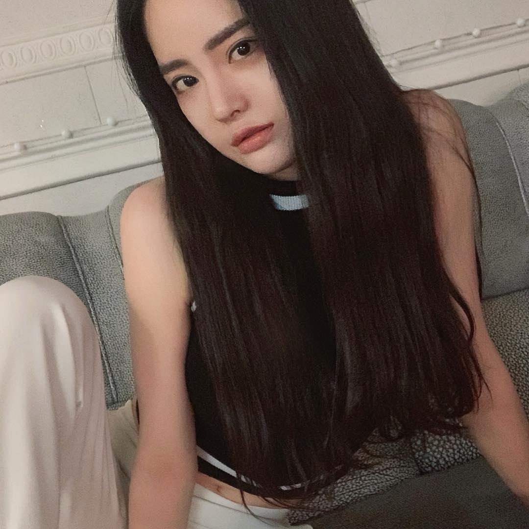 Seojin-Ban-Wallpapers-Insta-Fit-Bio-7