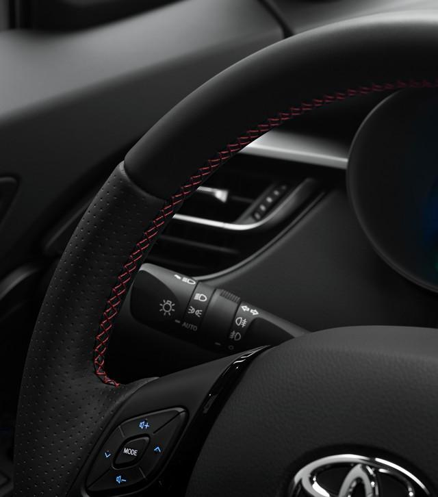 Toyota C-HR « GR SPORT » : encore plus dynamique et plus exclusif  Chrint18-2