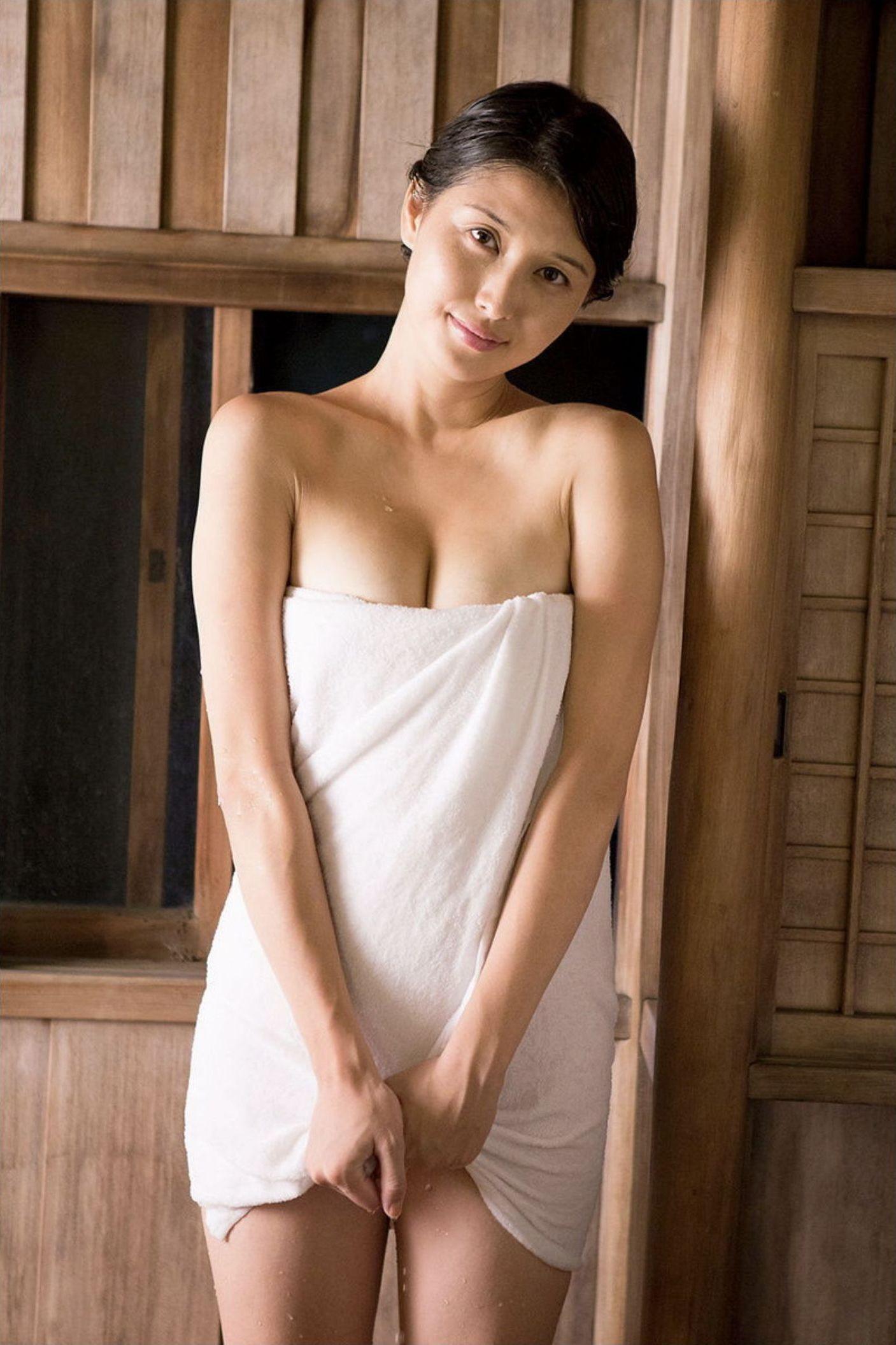 『愛の記憶』橋本マナミ デジタル写真集 051