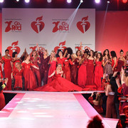 reddresscollection020520-performance11