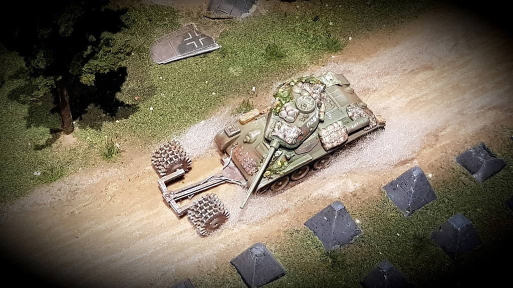 Arminaces Russen - Seite 2 Arminace-T-34-85-1