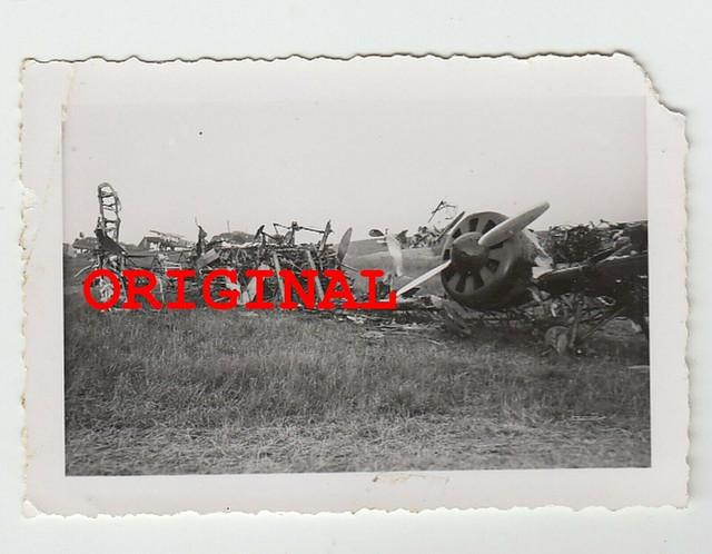 Foto-2wk-Russland-Ostfront-Flugzeug-Wrack-Flugplatz-Feldflugplatz