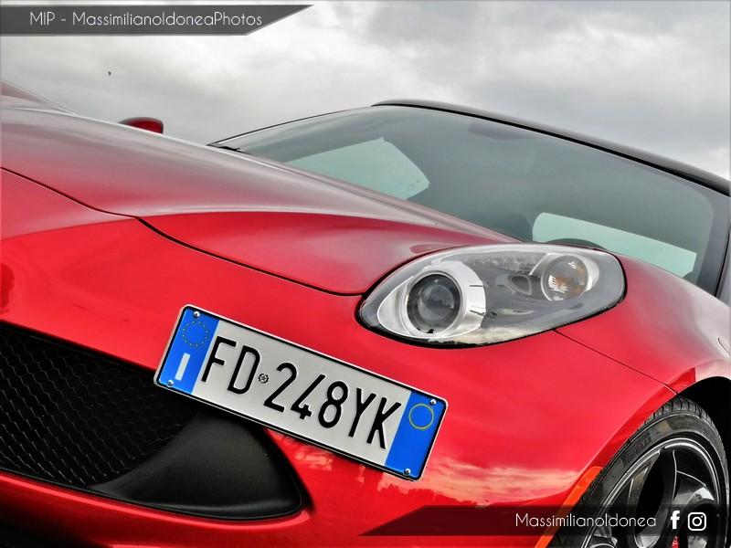 Avvistamenti auto rare non ancora d'epoca - Pagina 19 Alfa-Romeo-4-C-TBi-1750-241cv-16-FD248-YK-5