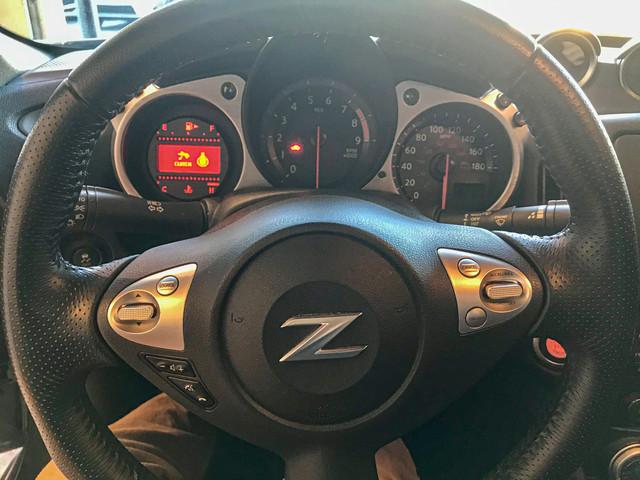 Steering-wheel-cluster.jpg