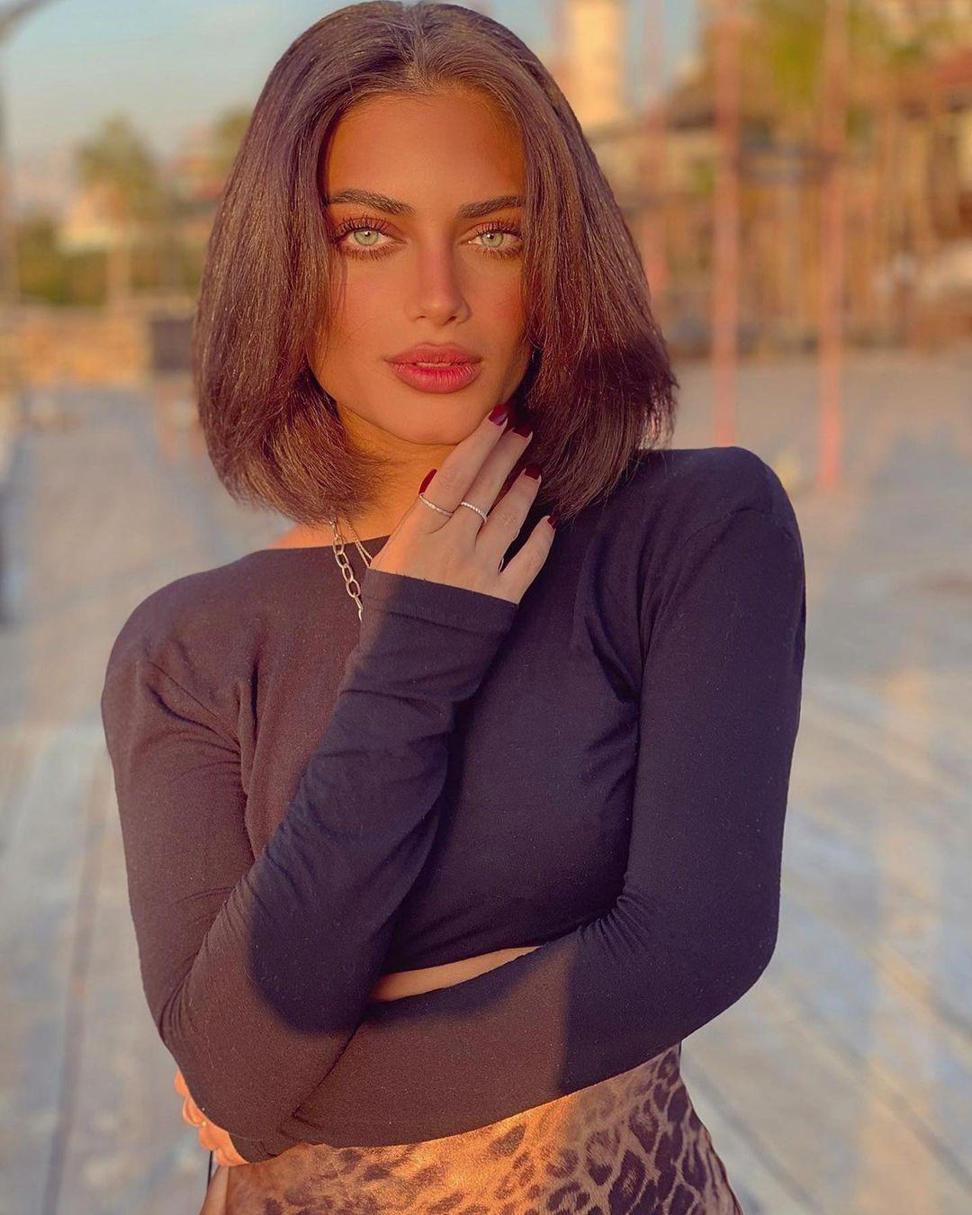 Hiba-Youssef-Wallpapers-Insta-Fit-Bio-5