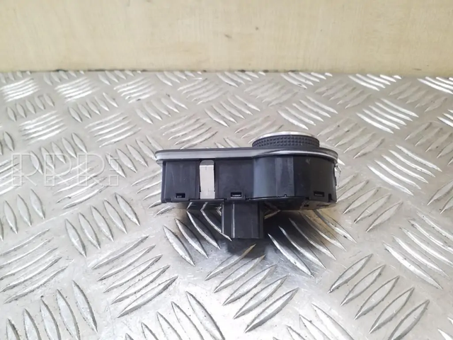 [Brico/Como] Desactivar Luces Automaticas Opel-zafira-c-sviesu-jungtukas2
