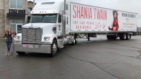 shania-vegas-letsgo-tractortrailer093019-skc.jpg