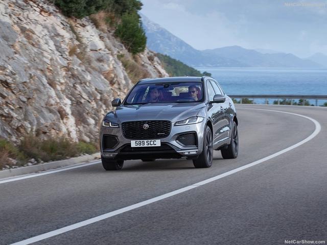 2015 - [Jaguar] F-Pace - Page 16 6-B2-A97-AD-B8-FA-40-C2-8-BD7-FC04105-C1-DAC