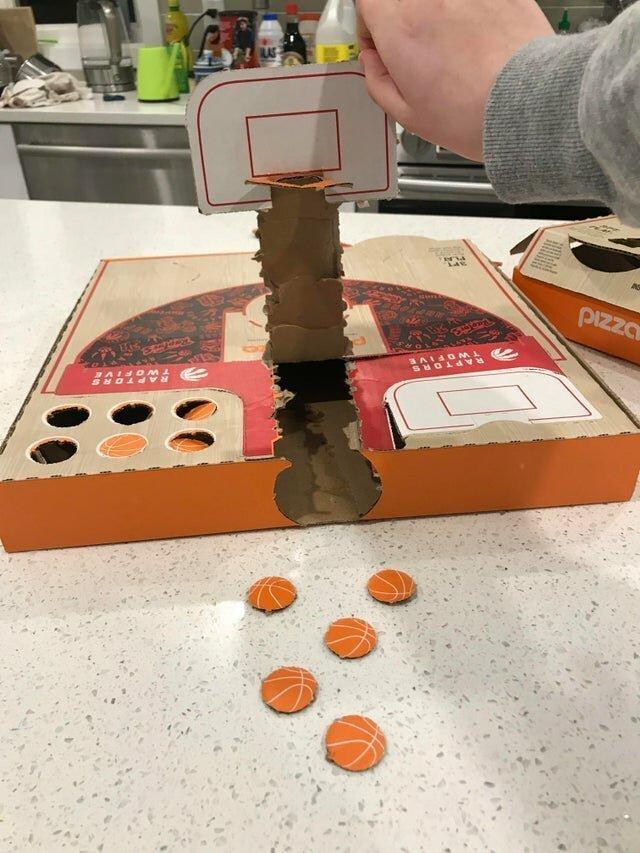 Коробка для пиццы, трансформирующаяся в настольную игру
