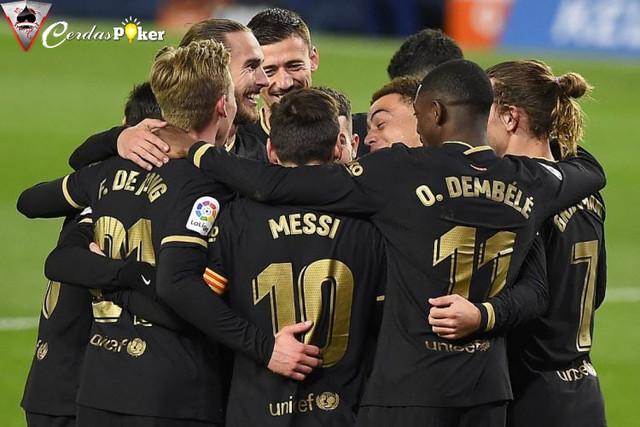 Sejak Memakai Tiga Bek, Barcelona Menang 5 kali dalam 7 Laga
