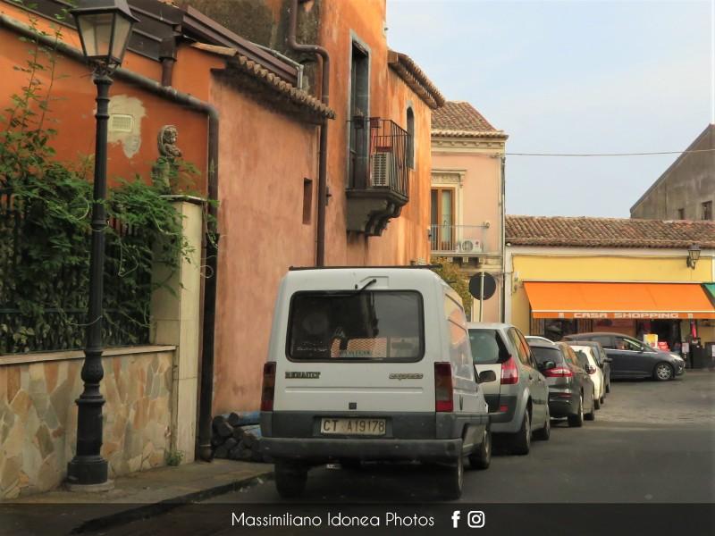 Veicoli commerciali e mezzi pesanti d'epoca o rari circolanti - Pagina 10 Renault-Express-D65-1-9-64cv-92-CTA19178-231-394-9-8-2019