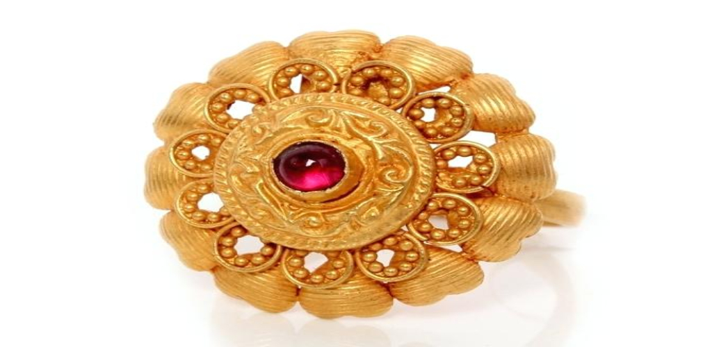 Gold Lifestyle Jewelry Shine