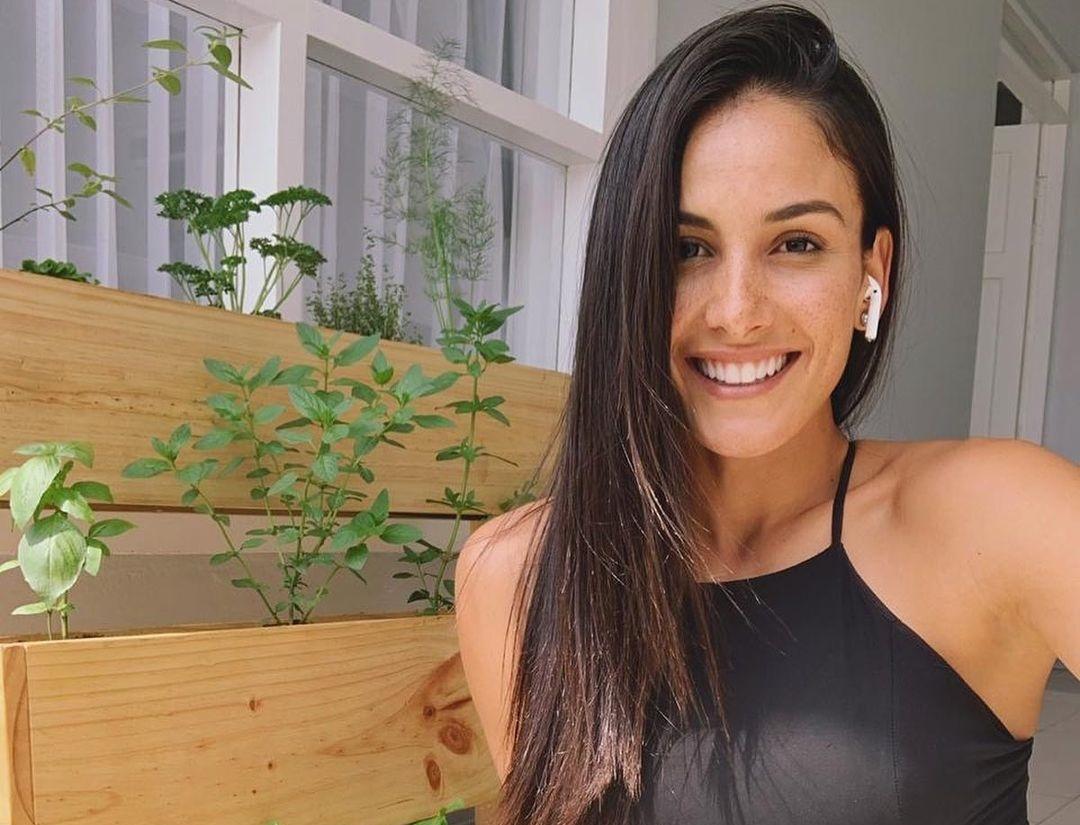Johanna-Solano-Wallpapers-Insta-Fit-Bio-11
