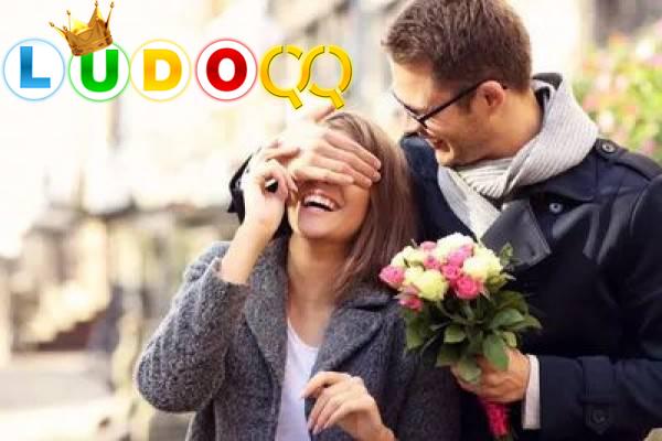 7 Gaya Pacaran yang Wajib Kamu Hindari Supaya Gak Dicap Pasangan Alay
